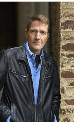Lee child © Sigrid Estrada 2015.jpg